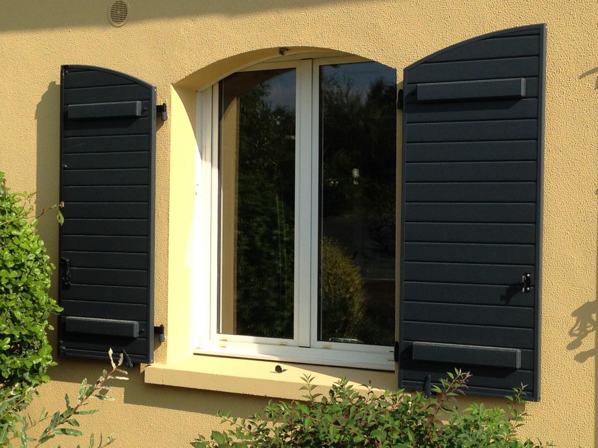 volets battants afc automatisations fermetures concept caen portes fen tres portails. Black Bedroom Furniture Sets. Home Design Ideas